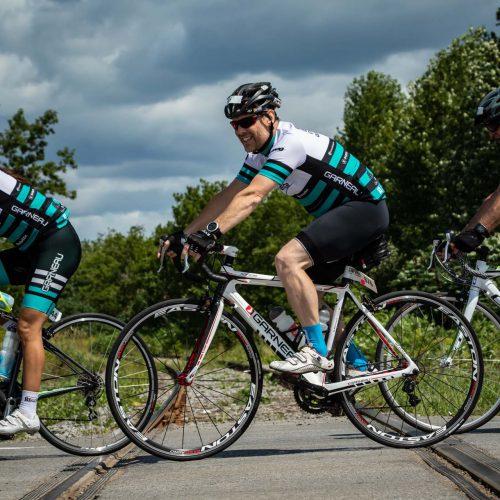 Cyclistes vues de côté